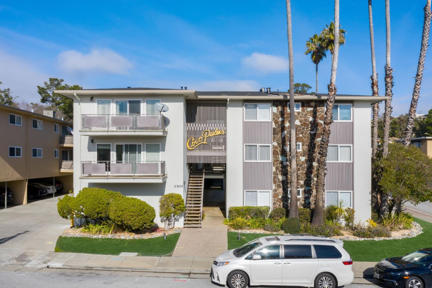 Detail Gallery Image 1 of 17 For 1300 Palos Verdes Dr #12,  San Mateo,  CA 94403 - 1 Beds | 1 Baths