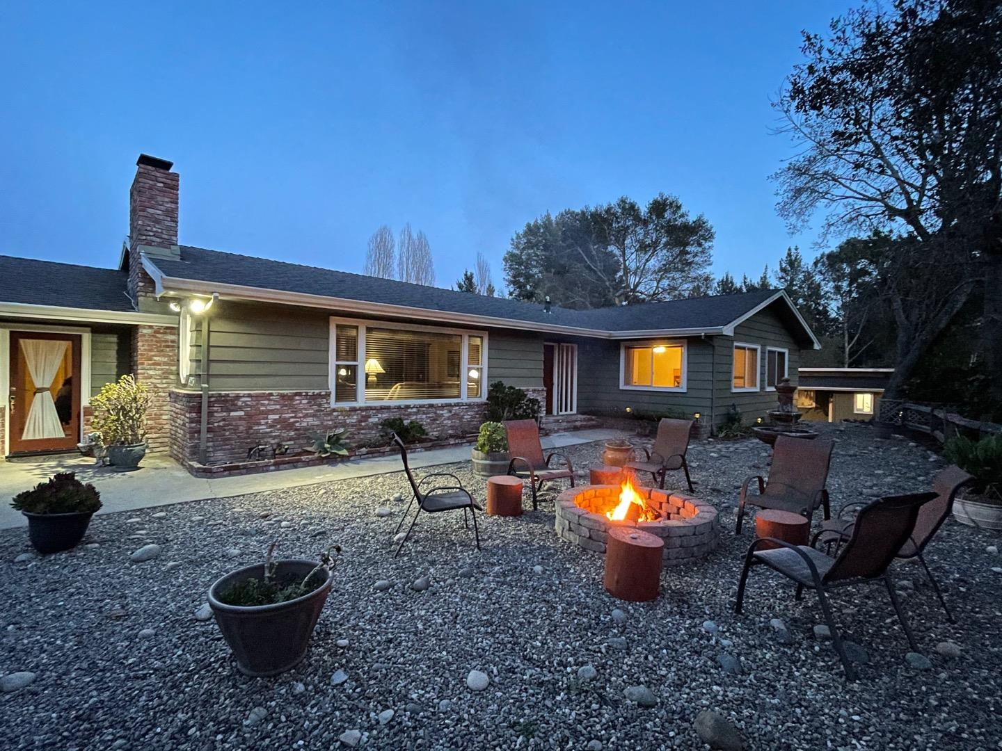 Detail Gallery Image 1 of 1 For 423 Pleasant Valley Rd, Aptos,  CA 95003 - 3 Beds | 2/1 Baths