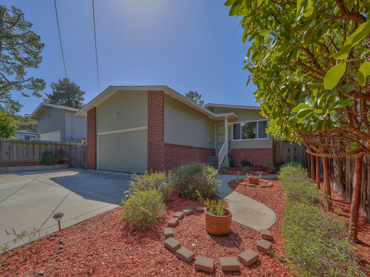 Detail Gallery Image 1 of 1 For 805 Lobos St, Monterey,  CA 93940 - 3 Beds | 2 Baths