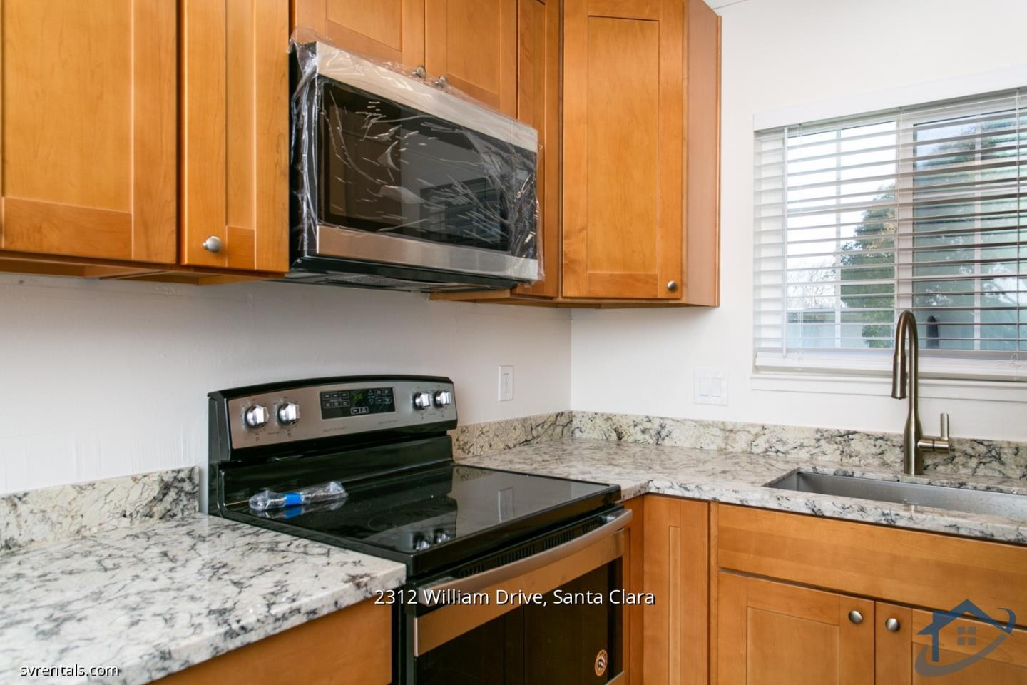 Detail Gallery Image 1 of 16 For 2312 William Dr #4,  Santa Clara,  CA 95050 - 2 Beds | 1 Baths