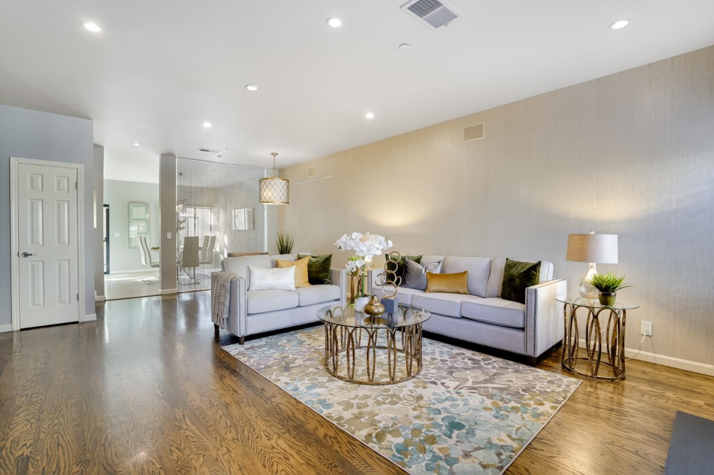 Detail Gallery Image 1 of 1 For 955 La Mesa Ter #F,  Sunnyvale,  CA 94086 - 3 Beds   2/1 Baths