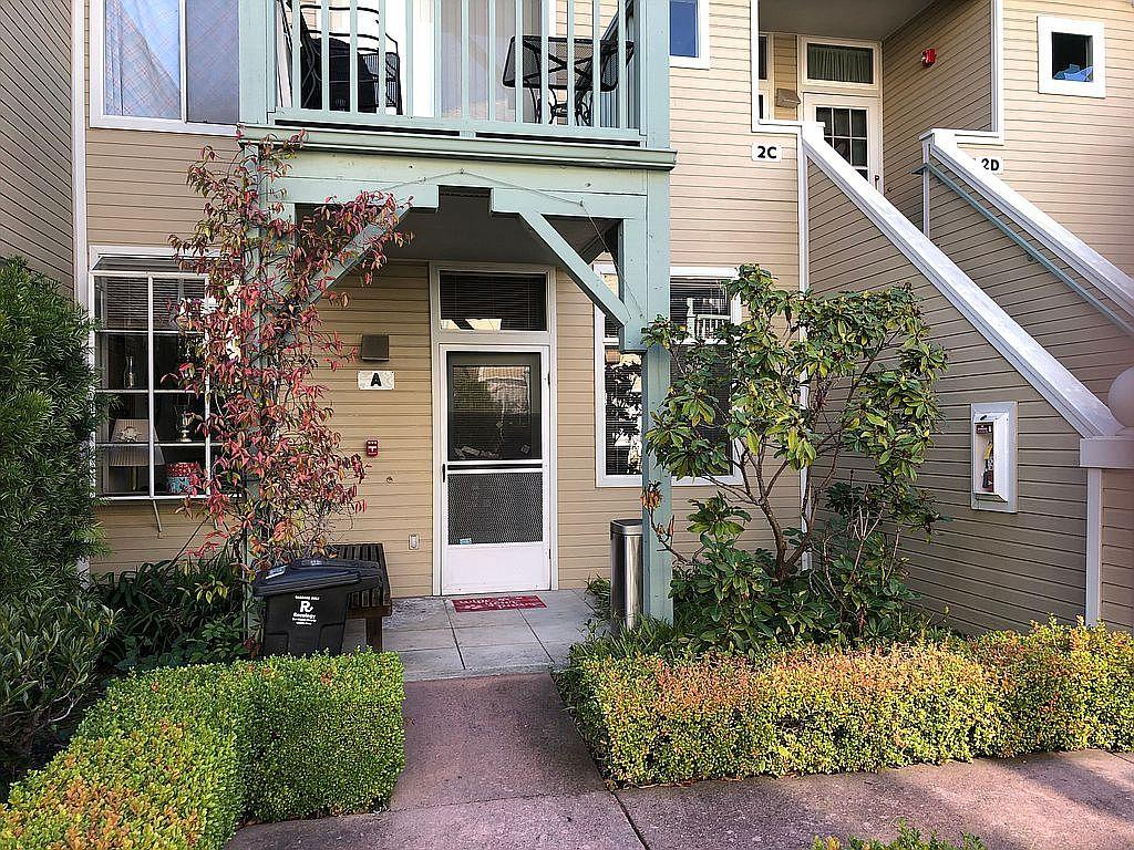 Detail Gallery Image 1 of 8 For 115 Blossom Cir #A,  San Mateo,  CA 94403 - 1 Beds | 1 Baths