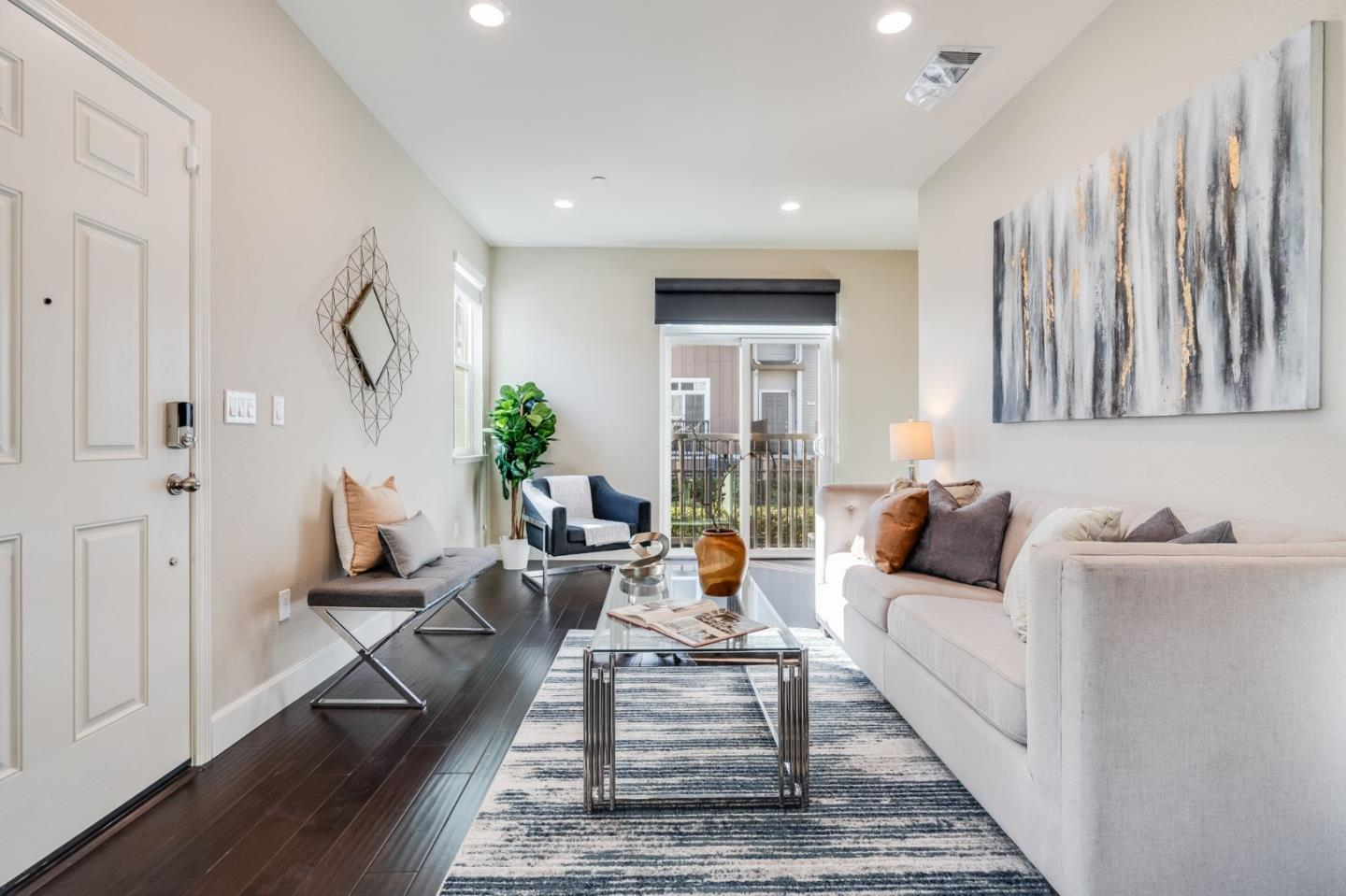 Detail Gallery Image 1 of 1 For 16 Lavender Ct, Daly City,  CA 94014 - 2 Beds | 2/1 Baths