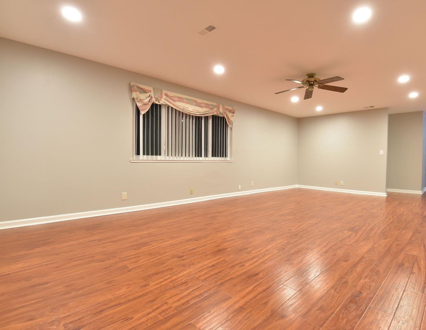 Detail Gallery Image 1 of 10 For 1764 Noranda Dr #4,  Sunnyvale,  CA 94087 - 3 Beds | 2 Baths