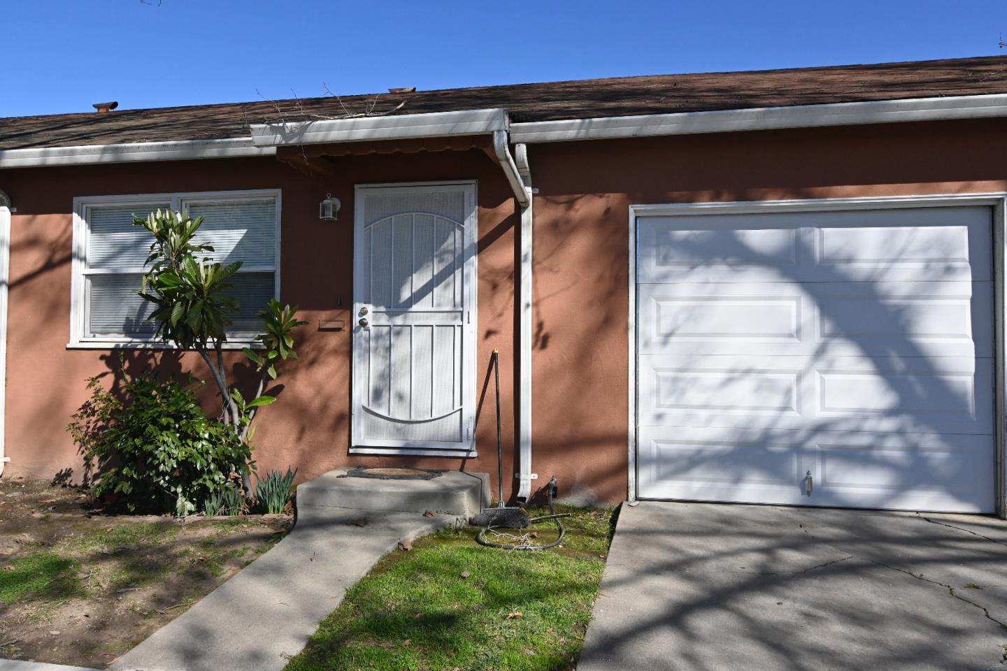 Detail Gallery Image 1 of 17 For 82 S 28th St, San Jose,  CA 95116 - – Beds | – Baths