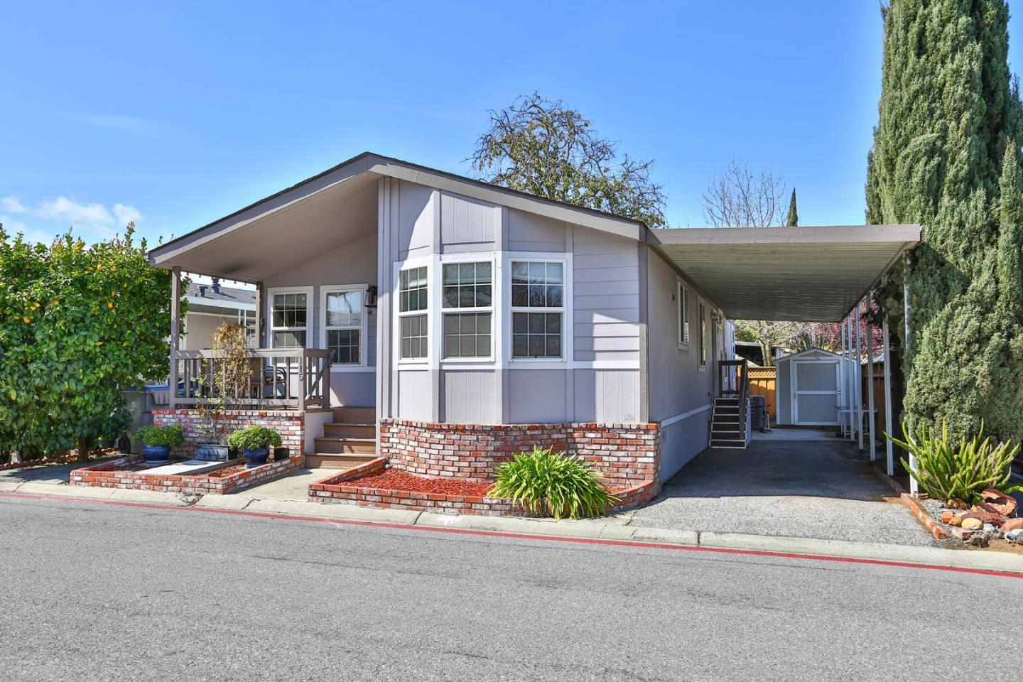 Detail Gallery Image 1 of 23 For 6130 Monterey Rd #115,  San Jose,  CA 95138 - 3 Beds | 2 Baths
