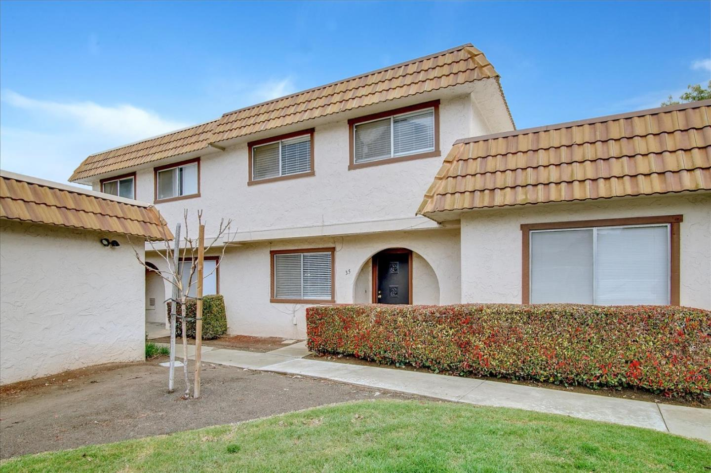 Detail Gallery Image 1 of 1 For 35 Villa Pacheco Ct, Hollister,  CA 95023 - 3 Beds | 2/1 Baths