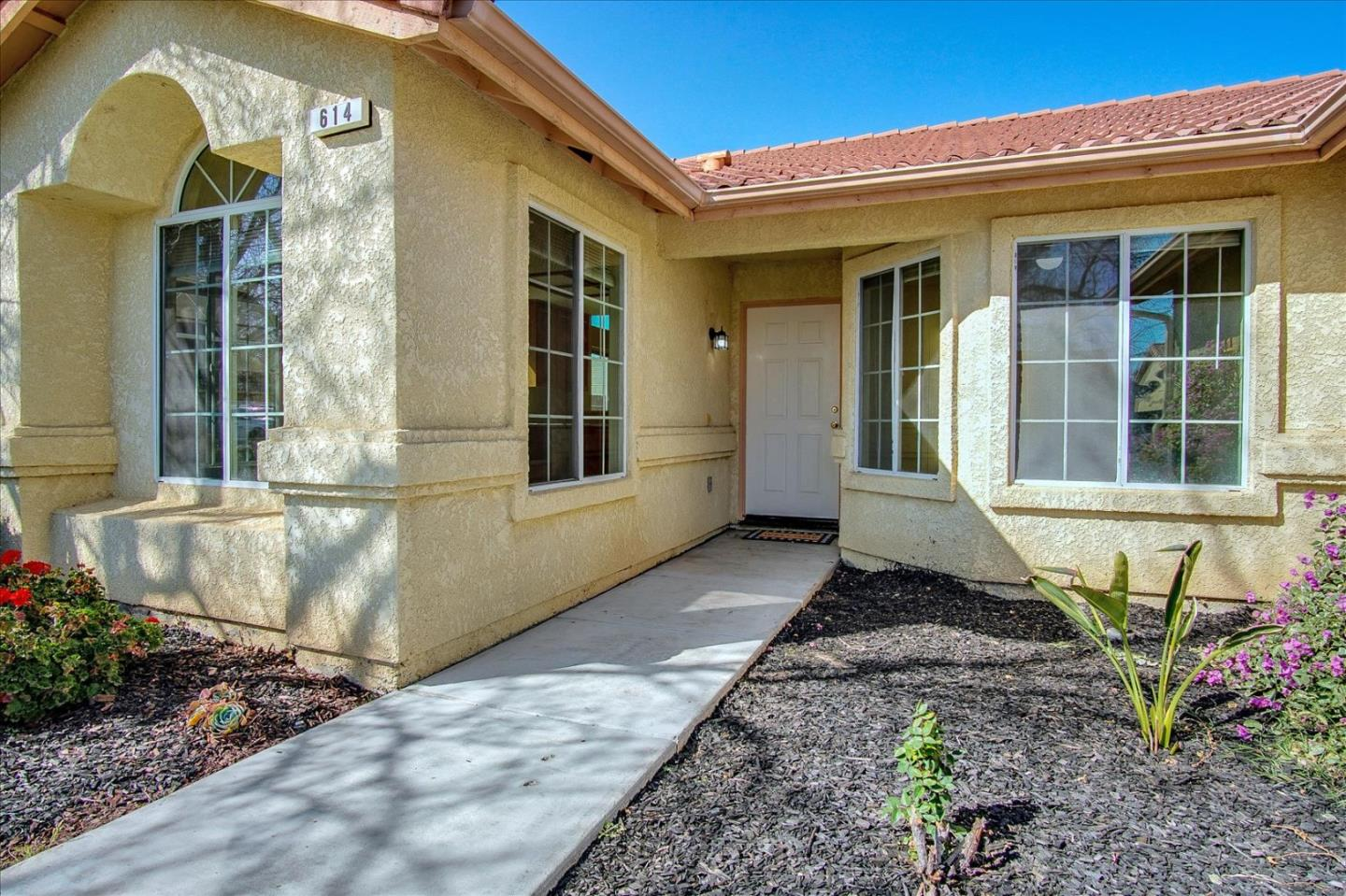 Detail Gallery Image 1 of 1 For 614 Winemaker St, Los Banos,  CA 93635 - 3 Beds | 2 Baths