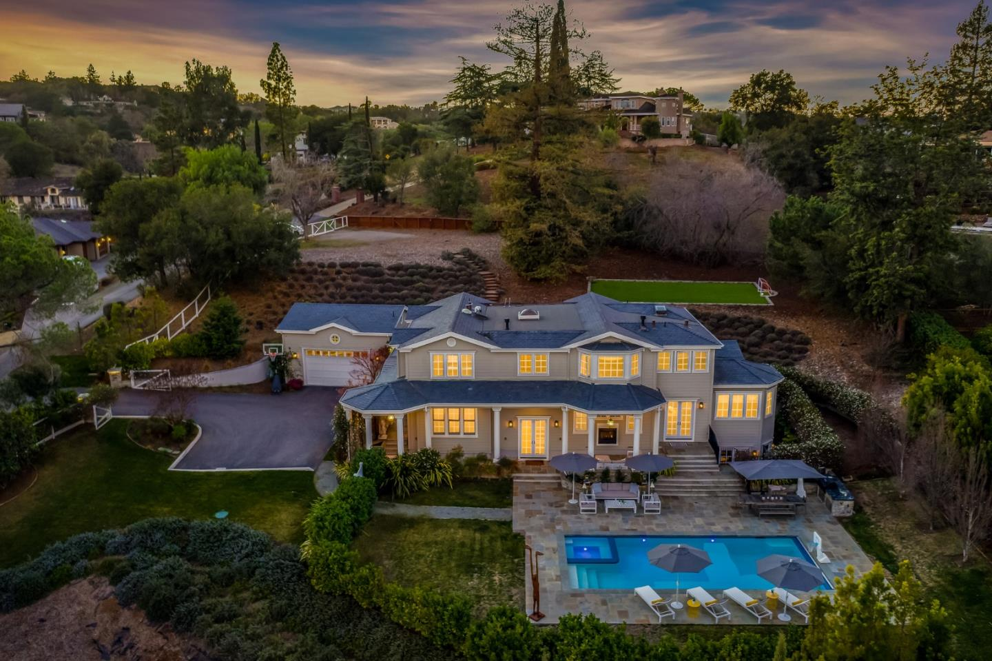 Detail Gallery Image 1 of 37 For 25611 Burke Ln, Los Altos Hills,  CA 94022 - 7 Beds | 6/1 Baths