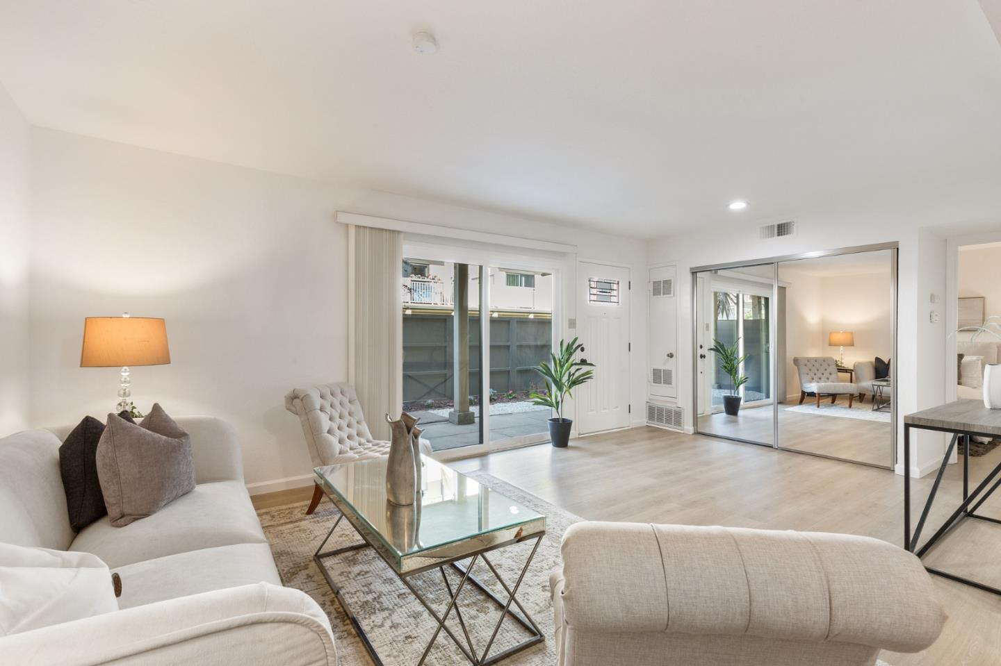 Detail Gallery Image 1 of 29 For 6107 Admiralty Ln, Foster City,  CA 94404 - 1 Beds | 1 Baths
