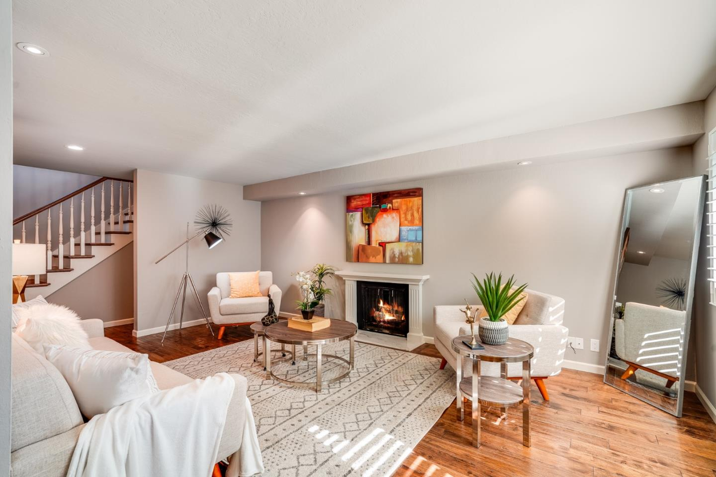 Detail Gallery Image 1 of 24 For 1319 Hoover St, Menlo Park,  CA 94025 - 2 Beds | 2/1 Baths