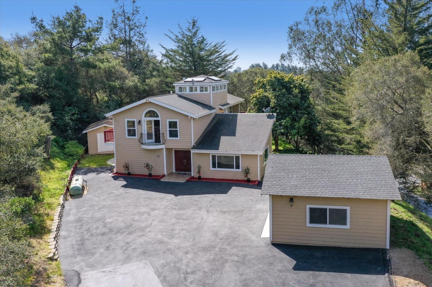 Detail Gallery Image 1 of 62 For 60 Desmond Rd, Salinas,  CA 93907 - 4 Beds | 2/1 Baths