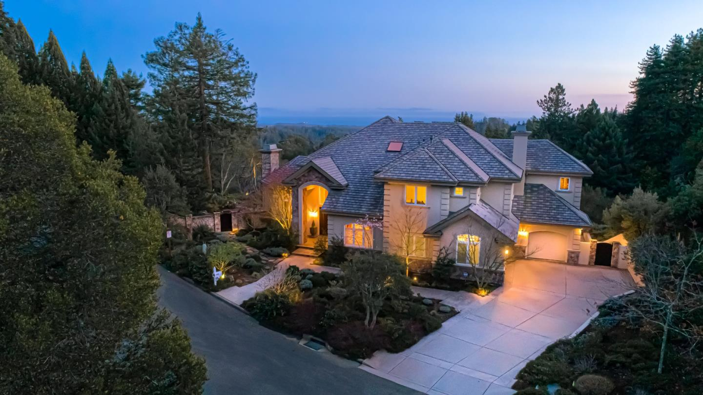 Detail Gallery Image 1 of 1 For 924 Kings Canyon Ct, Scotts Valley,  CA 95066 - 5 Beds | 4 Baths