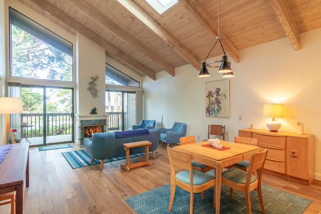 Detail Gallery Image 1 of 1 For 249 Forest Ridge Rd #13,  Monterey,  CA 93940 - 3 Beds | 2 Baths