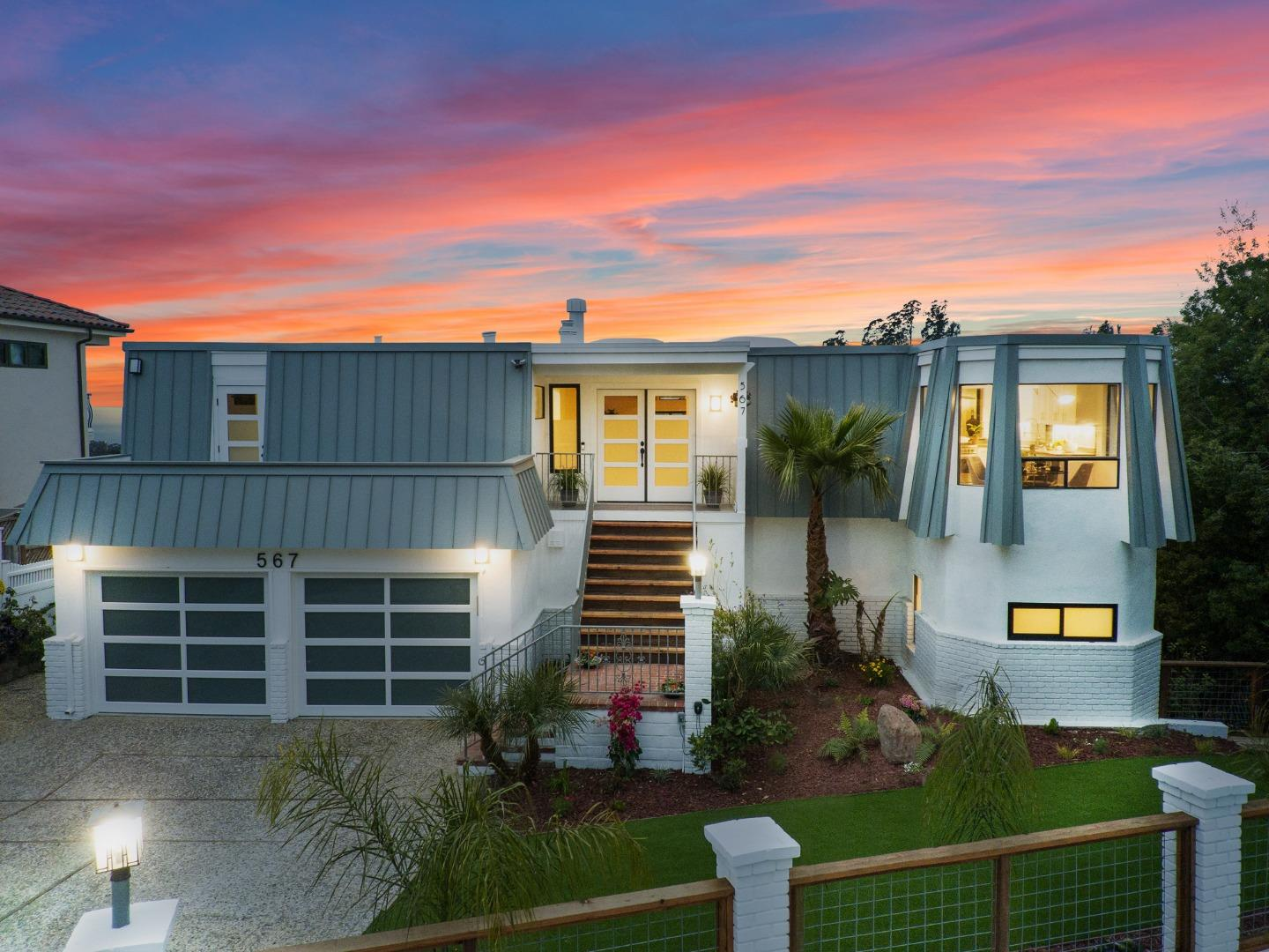 Detail Gallery Image 1 of 1 For 567 Cuesta Dr, Aptos,  CA 95003 - 4 Beds | 3/1 Baths