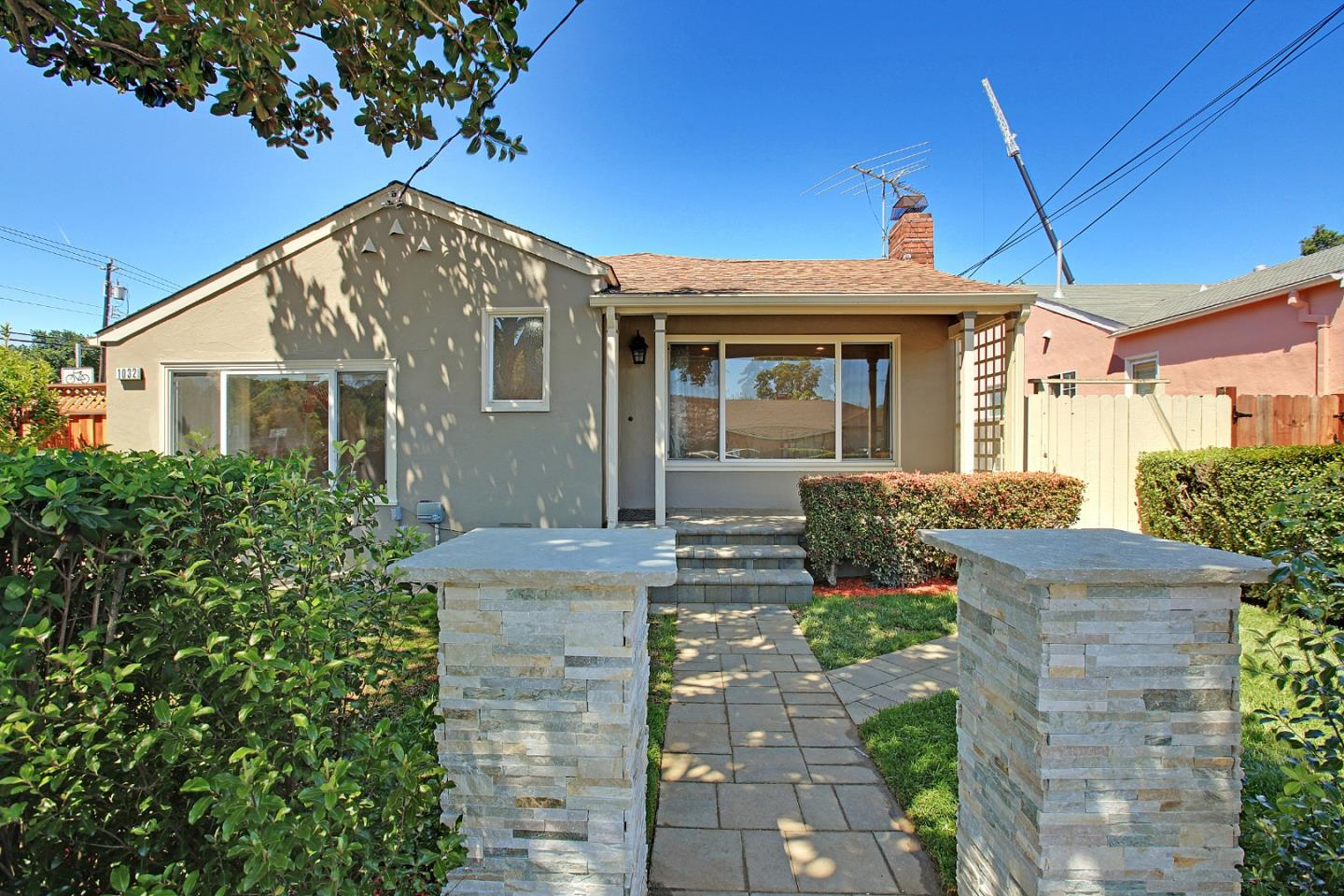 Detail Gallery Image 1 of 1 For 1032 Toyon Dr, Burlingame,  CA 94010 - 3 Beds | 2 Baths