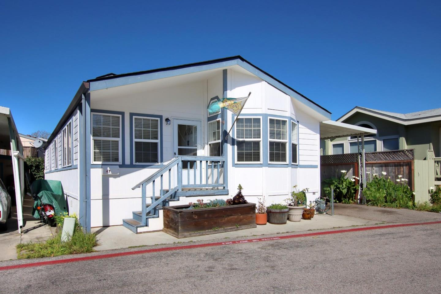 Detail Gallery Image 1 of 1 For 1190 7th Ave #47,  Santa Cruz,  CA 95062 - 3 Beds   2 Baths