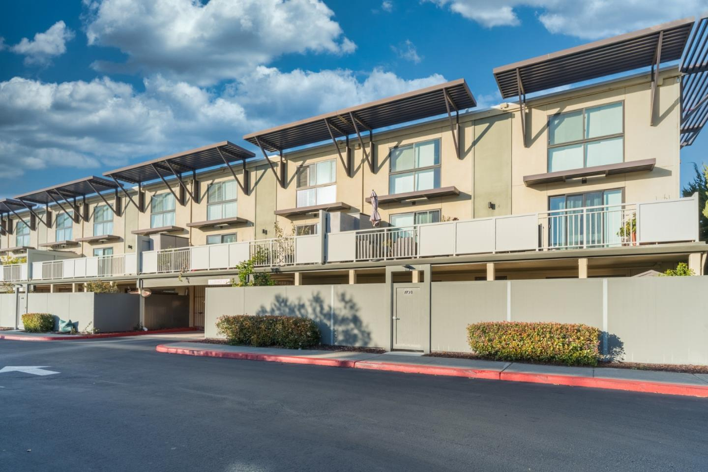 Detail Gallery Image 1 of 1 For 2103 Admiralty Ln, Foster City,  CA 94404 - 2 Beds | 2 Baths
