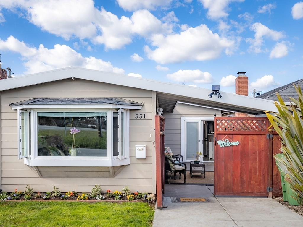 Detail Gallery Image 1 of 1 For 551 Filbert St, Half Moon Bay,  CA 94019 - 3 Beds | 2 Baths