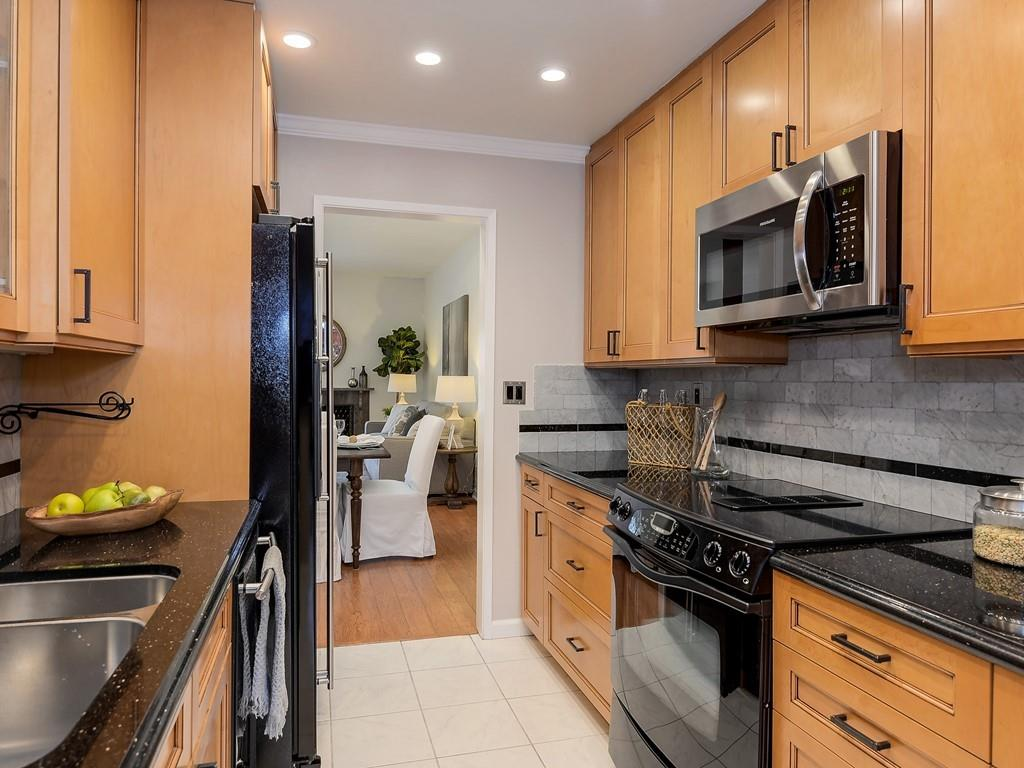 Detail Gallery Image 1 of 28 For 118 Harbor Seal Ct, San Mateo,  CA 94404 - 2 Beds | 2/1 Baths