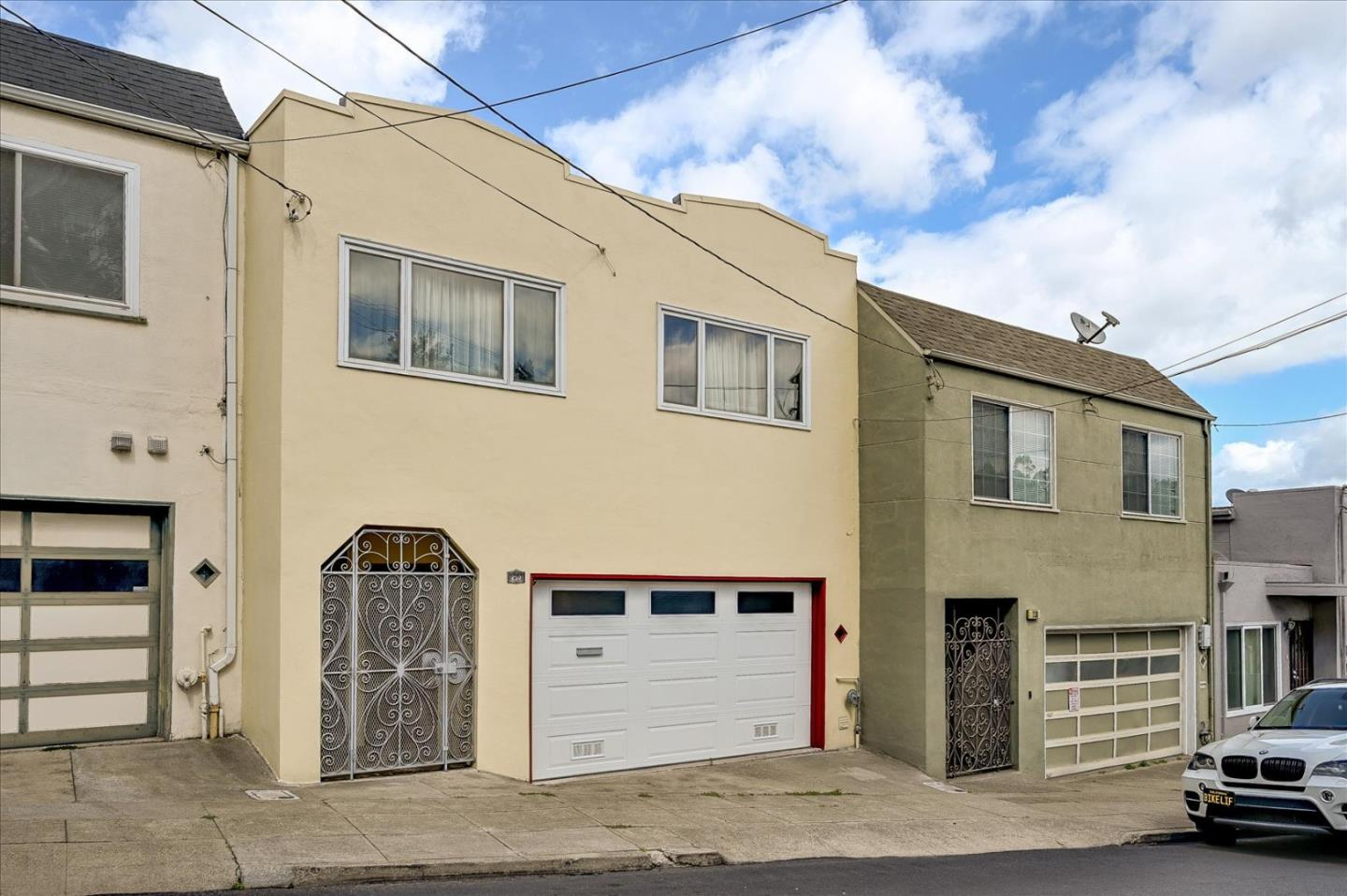 Detail Gallery Image 1 of 1 For 250 Alexander Ave, Daly City,  CA 94014 - 3 Beds | 2 Baths