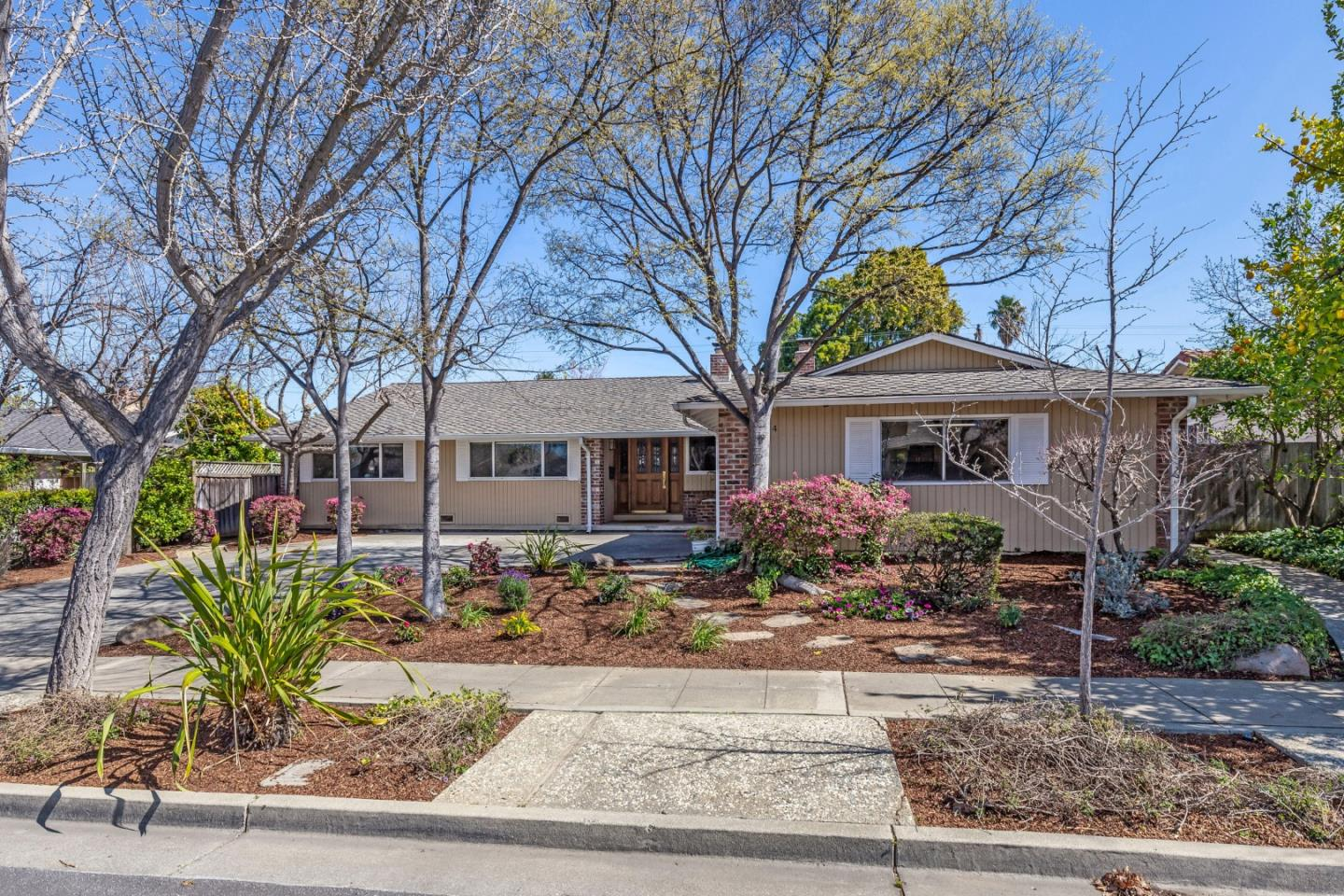 Detail Gallery Image 1 of 1 For 864 Helena Dr, Sunnyvale,  CA 94087 - 4 Beds   2 Baths