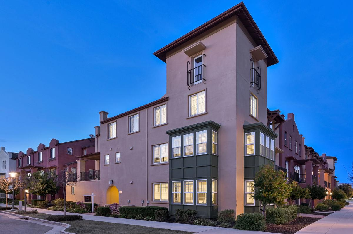 Detail Gallery Image 1 of 1 For 2897 Paddock Way, San Mateo,  CA 94403 - 4 Beds   3/1 Baths