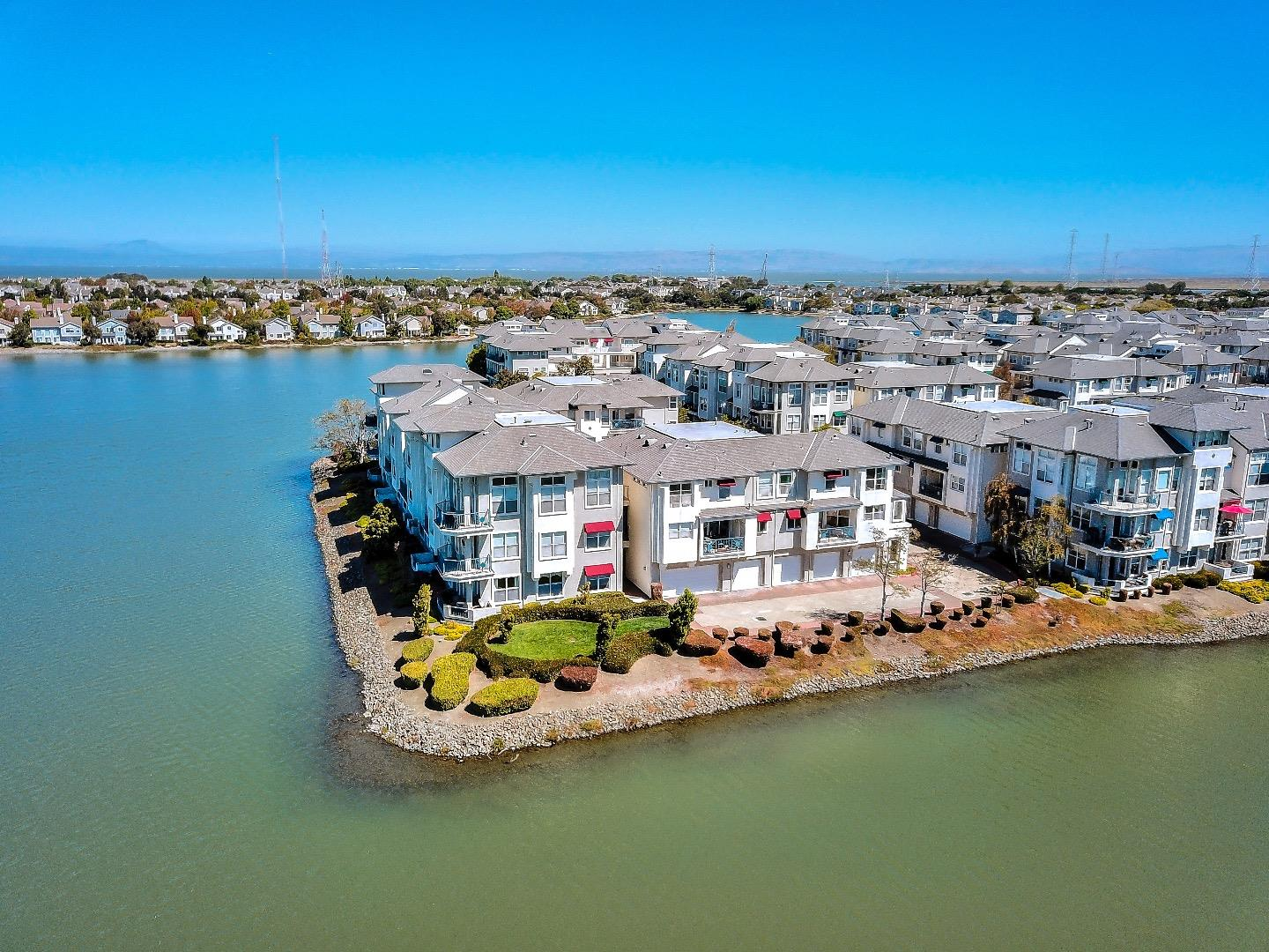 Detail Gallery Image 1 of 1 For 400 Baltic Cir #414,  Redwood City,  CA 94065 - 2 Beds   2 Baths
