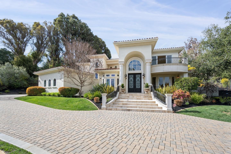 Detail Gallery Image 1 of 63 For 12675 Dianne Dr, Los Altos Hills,  CA 94022 - 6 Beds | 5/2 Baths