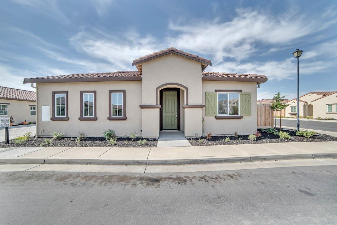 Detail Gallery Image 1 of 1 For 871 Fritz Dr, Los Banos,  CA 93635 - 2 Beds | 2 Baths