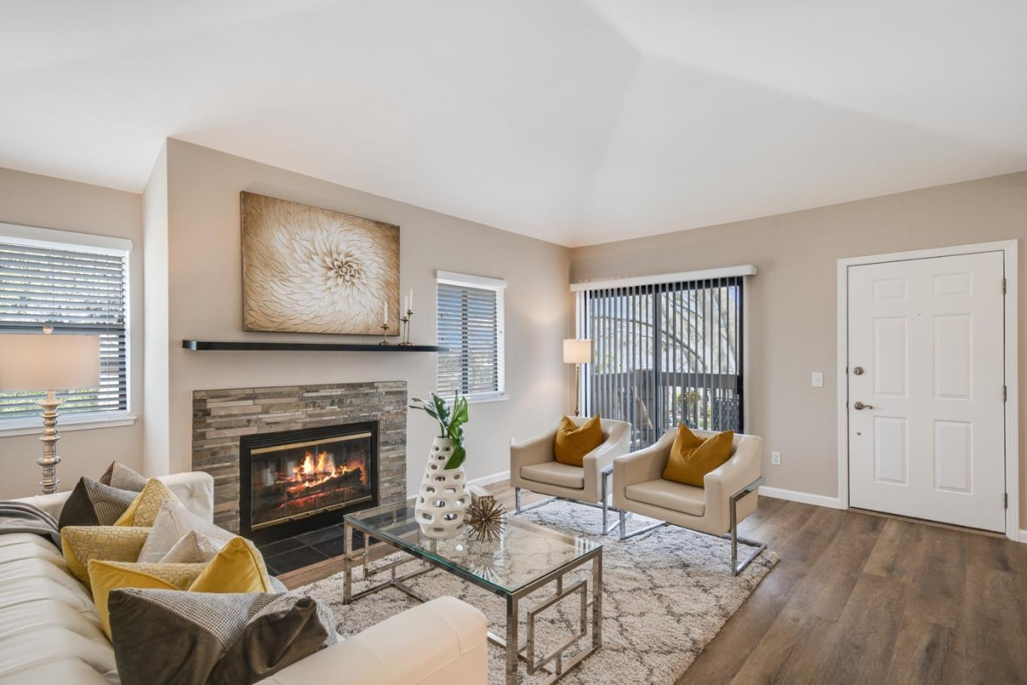 Detail Gallery Image 1 of 19 For 958 Apricot Ave, Campbell,  CA 95008 - 2 Beds | 2 Baths