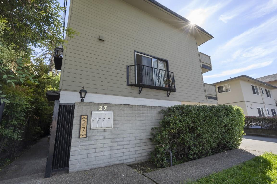 Detail Gallery Image 1 of 44 For 27 El Camino Real #3,  Burlingame,  CA 94010 - 2 Beds | 1/1 Baths