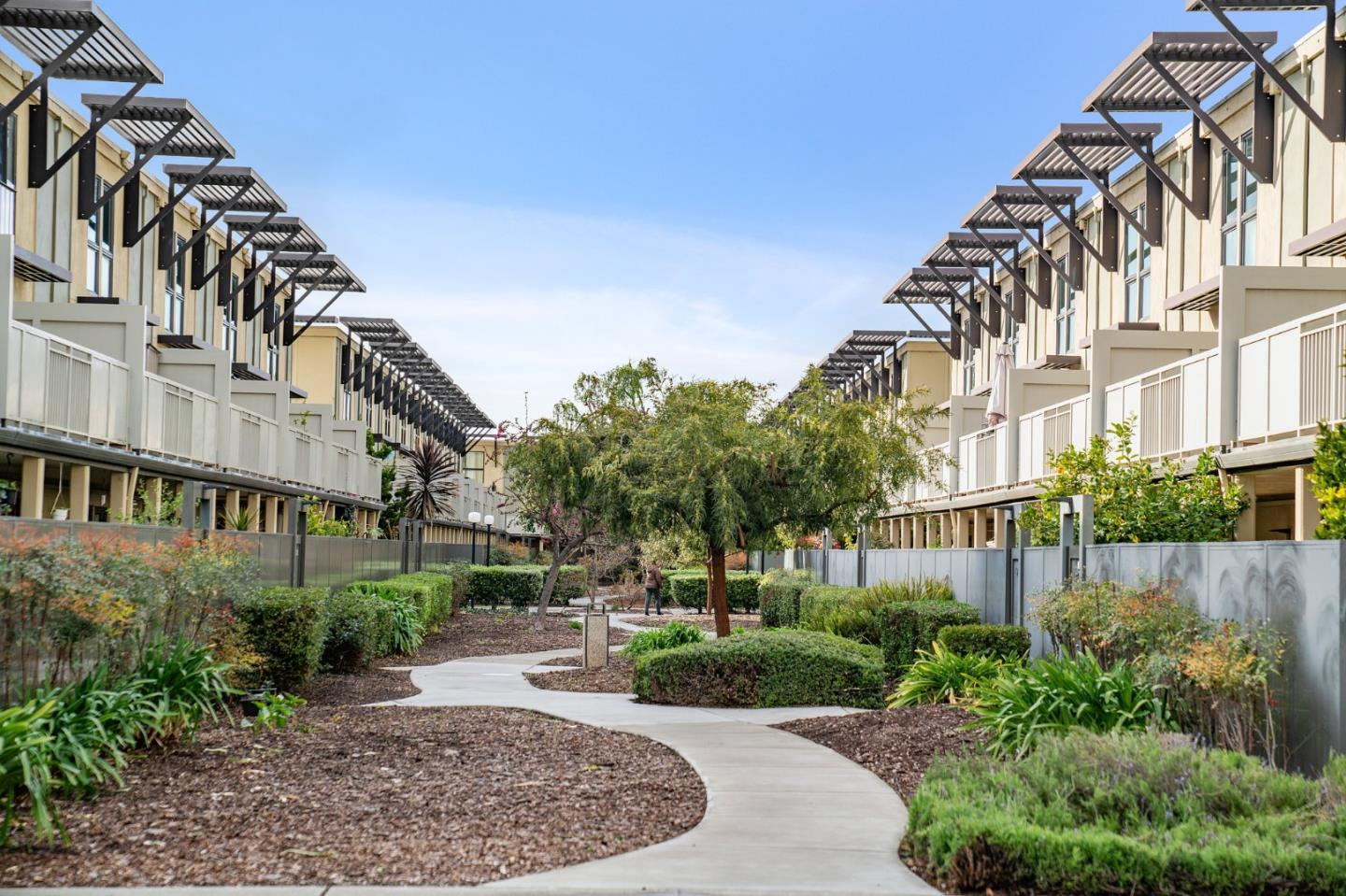 Detail Gallery Image 1 of 31 For 7108 Admiralty Ln, Foster City,  CA 94404 - 1 Beds   1 Baths