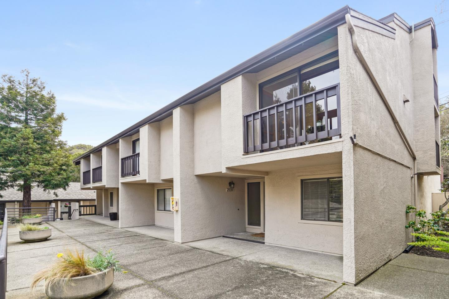Detail Gallery Image 1 of 1 For 2339 Ticonderoga Dr, San Mateo,  CA 94402 - 2 Beds | 2/1 Baths