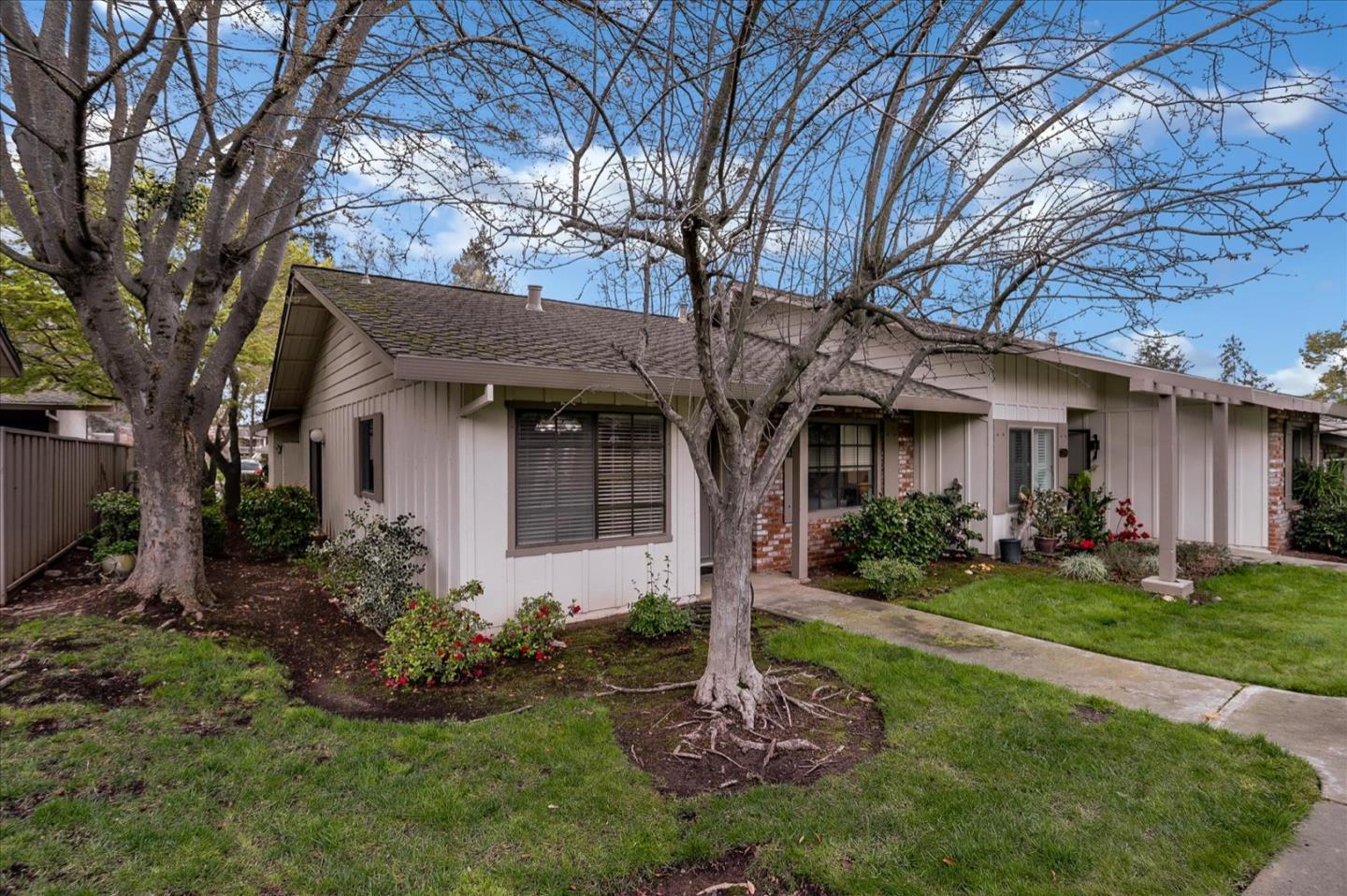 Detail Gallery Image 1 of 1 For 5270 Cribari Hts, San Jose,  CA 95135 - 2 Beds | 2 Baths