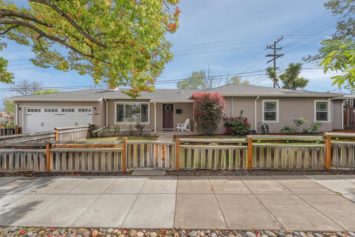 Detail Gallery Image 1 of 1 For 2813 Roosevelt Ave, Redwood City,  CA 94061 - 2 Beds | 2 Baths