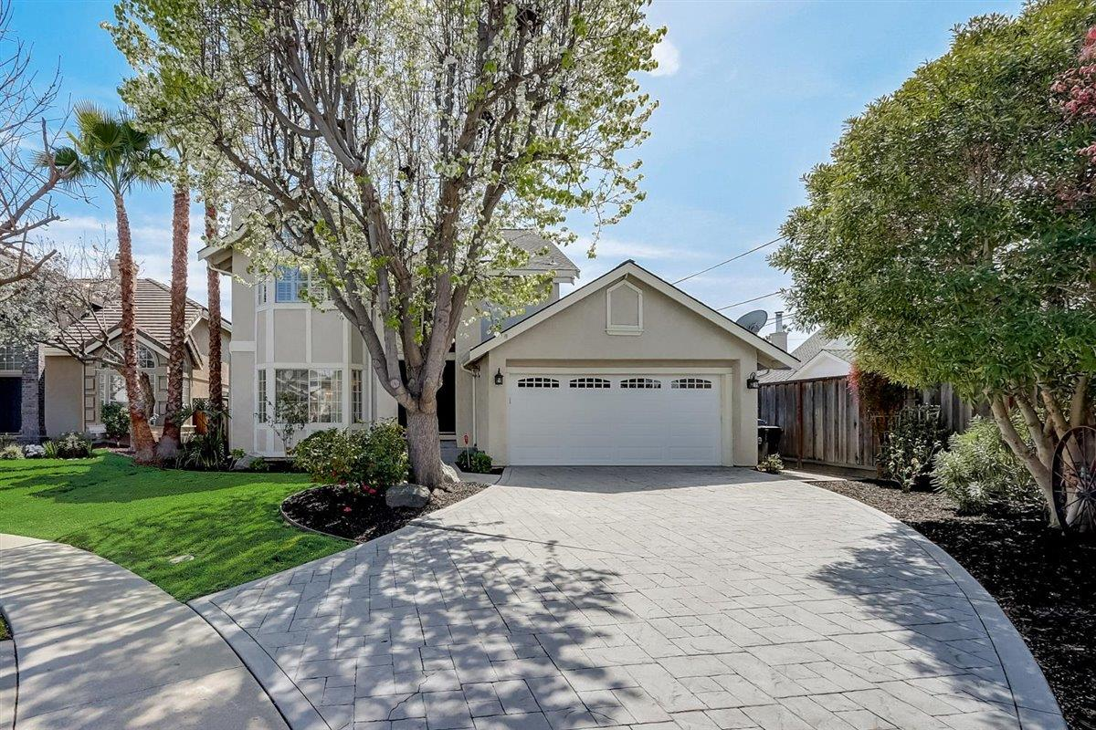 Detail Gallery Image 1 of 1 For 1666 Kirk Ct, San Jose,  CA 95124 - 3 Beds | 2/1 Baths