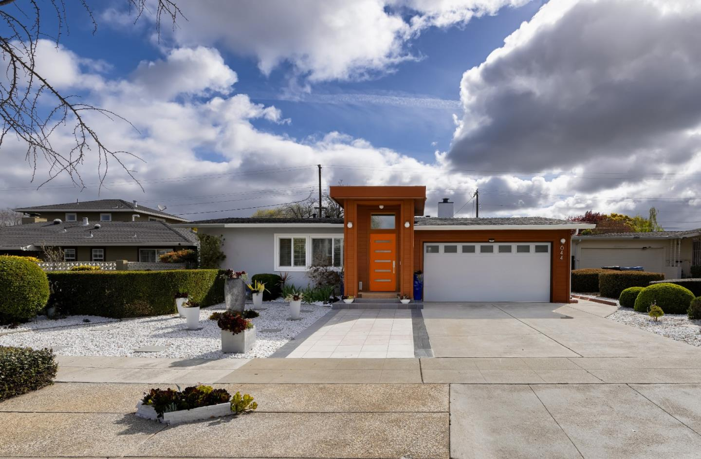 Detail Gallery Image 1 of 1 For 644 Crestview Dr, San Jose,  CA 95117 - 3 Beds | 2 Baths