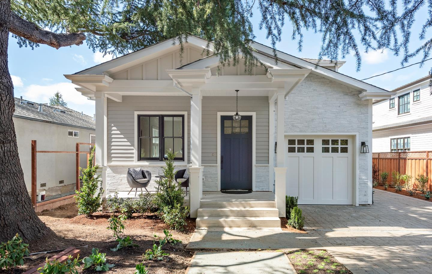 Detail Gallery Image 1 of 1 For 611 Woodland Ave, Menlo Park,  CA 94025 - 4 Beds | 3/1 Baths