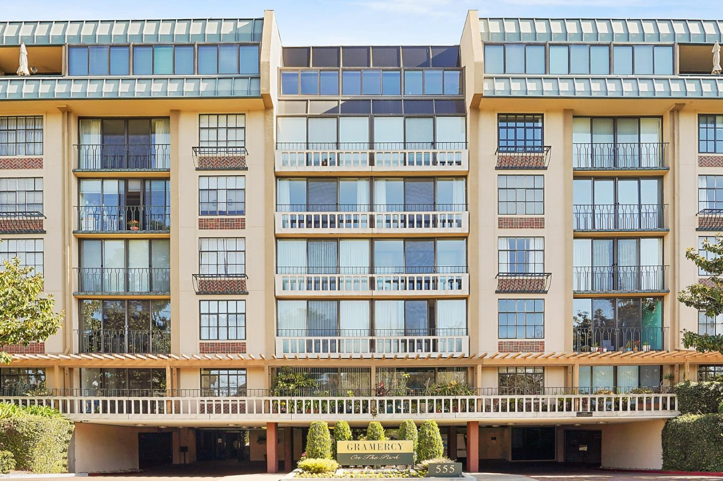 Detail Gallery Image 1 of 69 For 555 Laurel Ave #608,  San Mateo,  CA 94401 - 3 Beds | 3/1 Baths