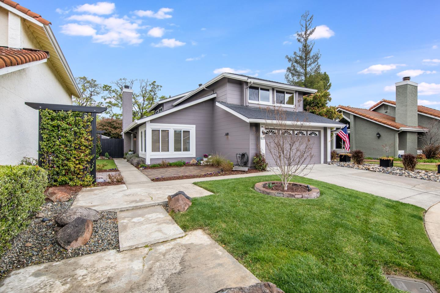Detail Gallery Image 1 of 1 For 2389 Loment Ct, San Jose,  CA 95124 - 3 Beds | 2/1 Baths