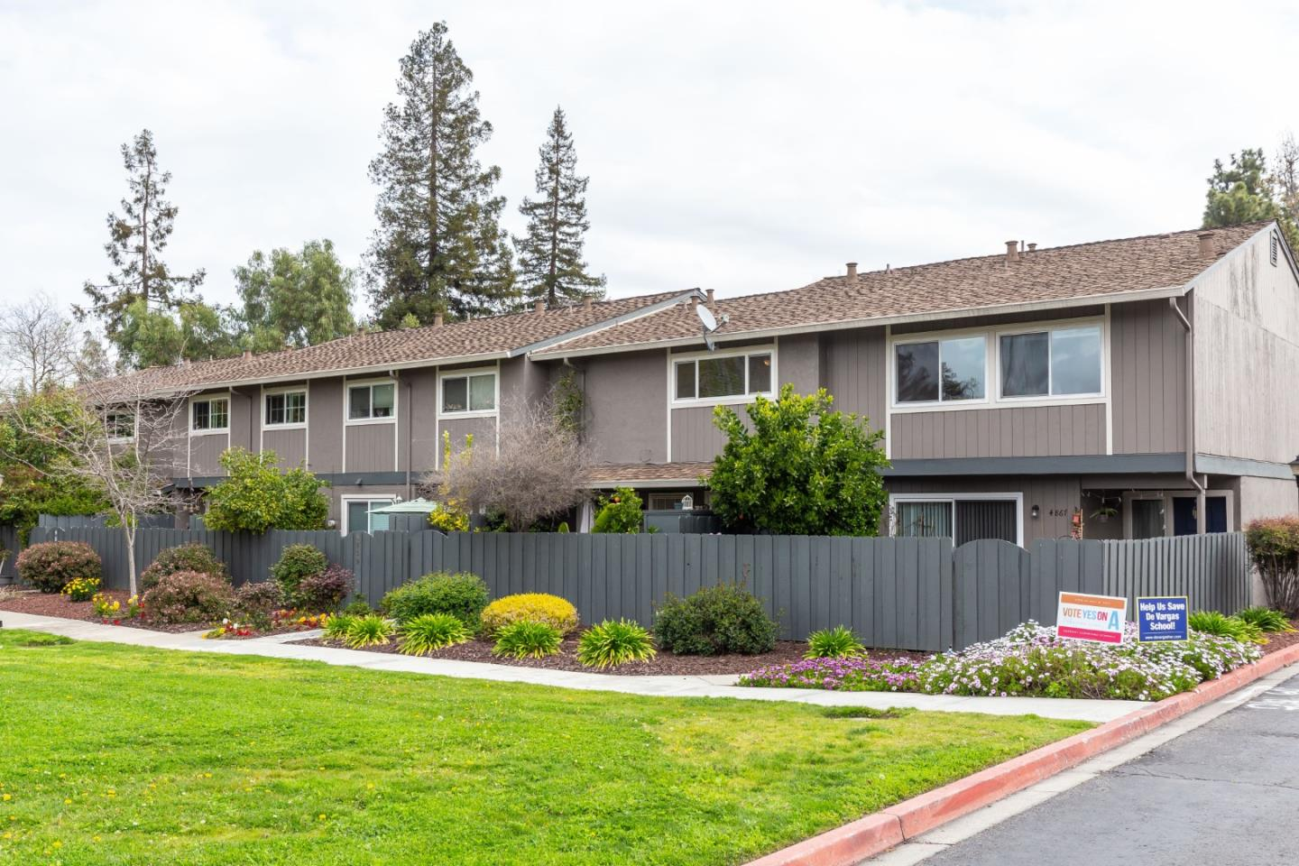 Detail Gallery Image 1 of 1 For 4863 Cherrythorne Ln, San Jose,  CA 95129 - 3 Beds | 2/1 Baths