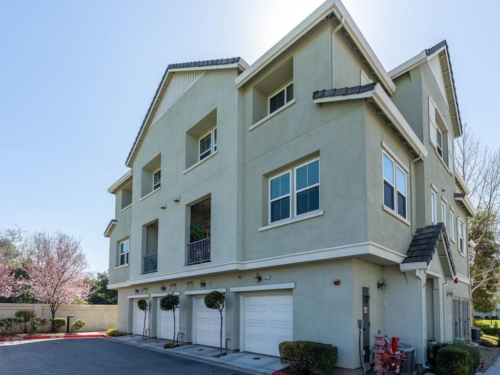 Detail Gallery Image 1 of 24 For 2614 Riparian Ct, San Jose,  CA 95133 - 3 Beds | 2/1 Baths