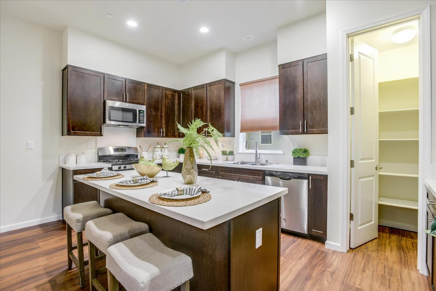 Detail Gallery Image 1 of 1 For 324 F St, Colma,  CA 94014 - 2 Beds | 2/1 Baths