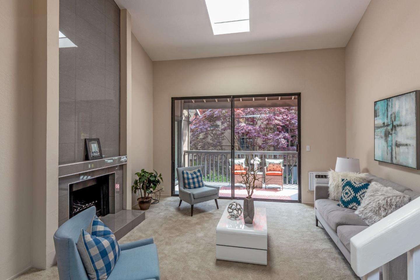 Detail Gallery Image 1 of 1 For 765 N Rengstorff Ave #4,  Mountain View,  CA 94043 - 2 Beds   2 Baths