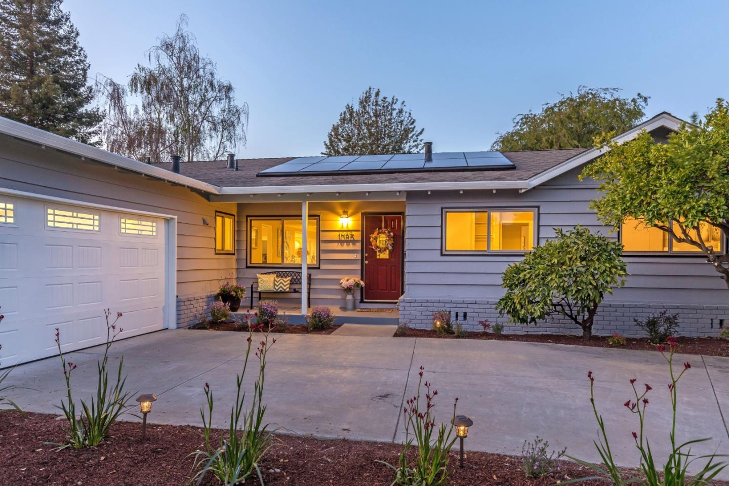 Detail Gallery Image 1 of 1 For 1085 Remsen Ct, Sunnyvale,  CA 94087 - 4 Beds | 2/1 Baths