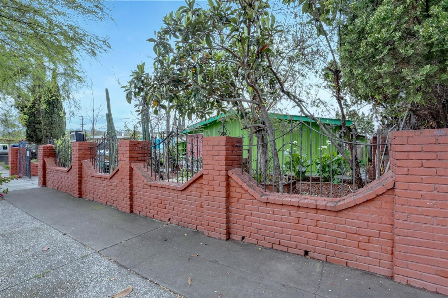 Detail Gallery Image 1 of 18 For 1733 Foley Ave, San Jose,  CA 95122 - 3 Beds | 2 Baths