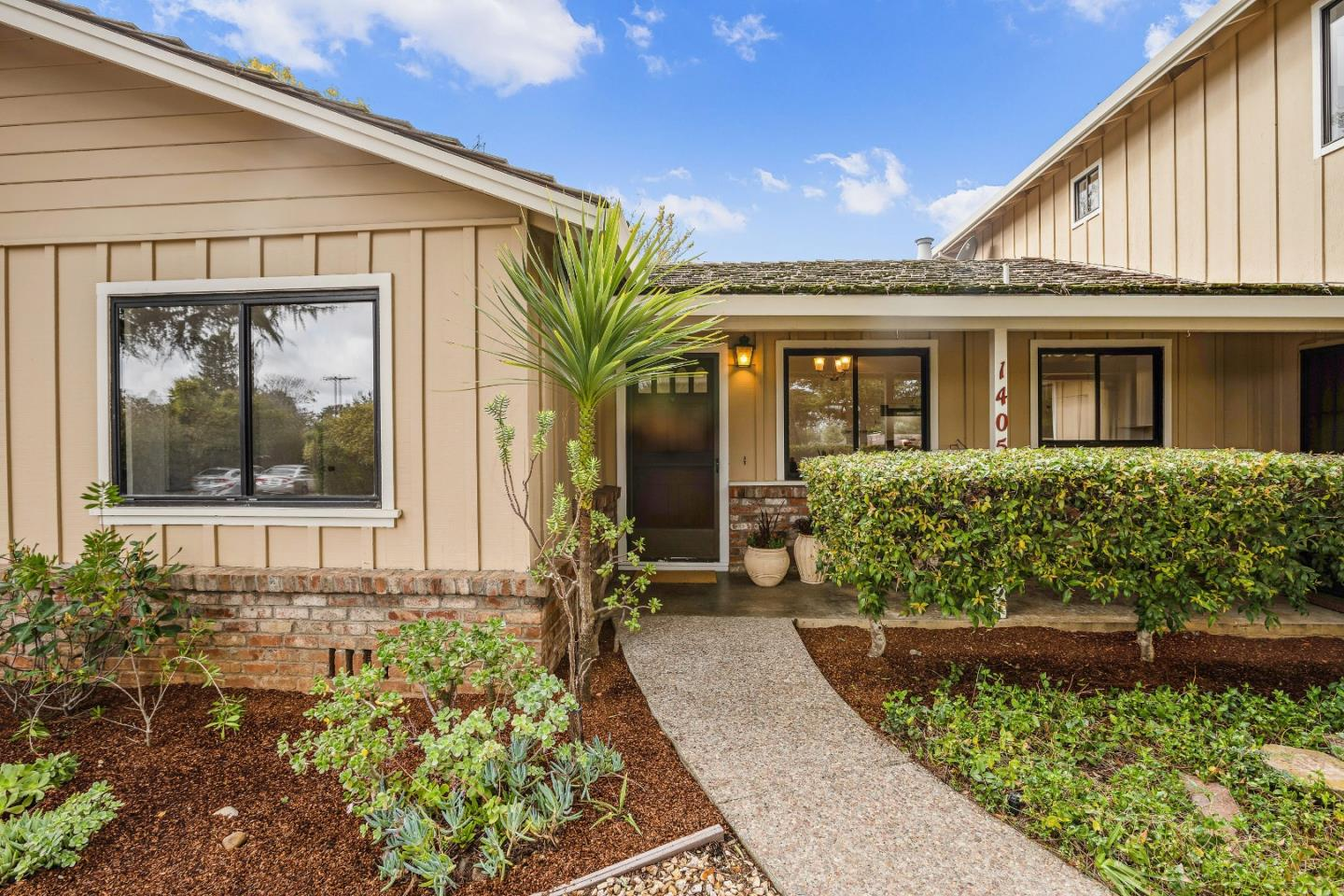 Detail Gallery Image 1 of 1 For 1405 Highland View Ct, Los Altos,  CA 94024 - 3 Beds | 2 Baths