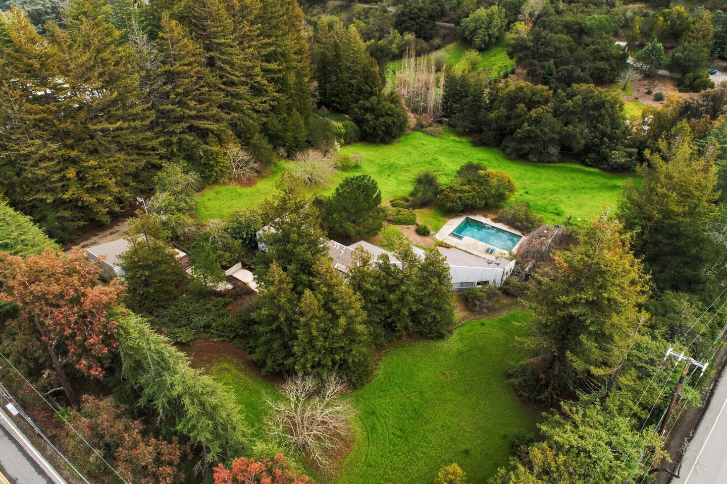 Detail Gallery Image 1 of 10 For 27600 Altamont Rd, Los Altos Hills,  CA 94022 - 4 Beds | 3/1 Baths