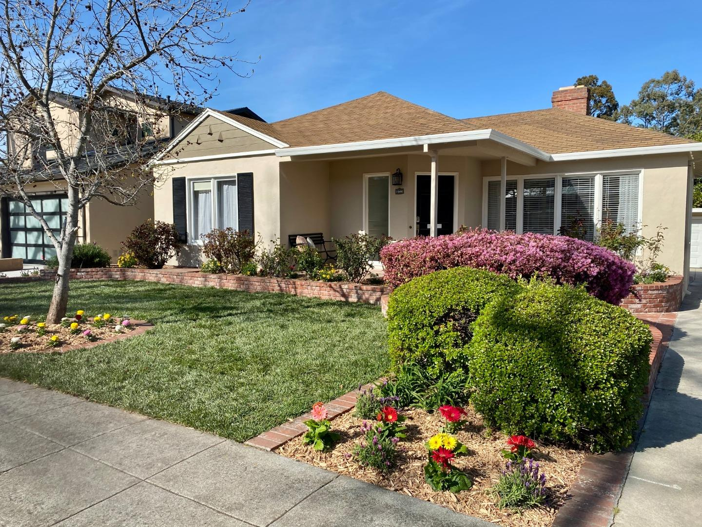 Detail Gallery Image 1 of 1 For 1544 Balboa Ave, Burlingame,  CA 94010 - 3 Beds | 2 Baths